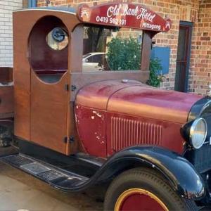 Propkorn-Vintage-Car_1